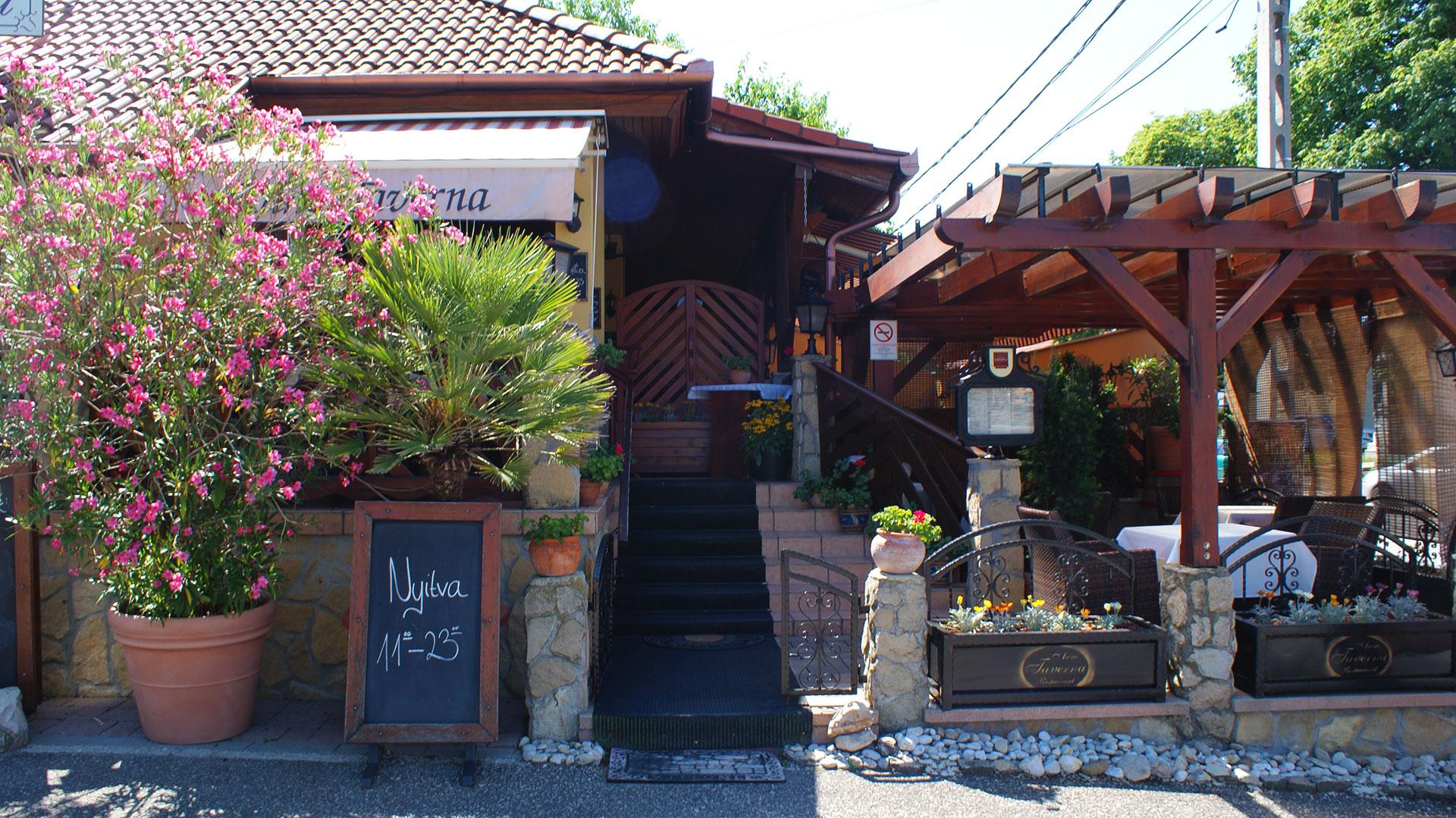 Anno Taverna étterem bejárat